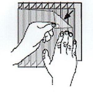 Снятие защитной пленки с листов поликарбоната